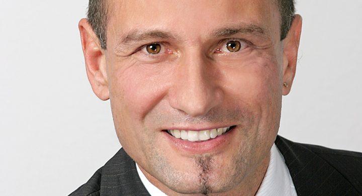 Rainer-Kerscheck-Portret-Unitron-hearing-aids-AUDIO-BM-slusni-aparati