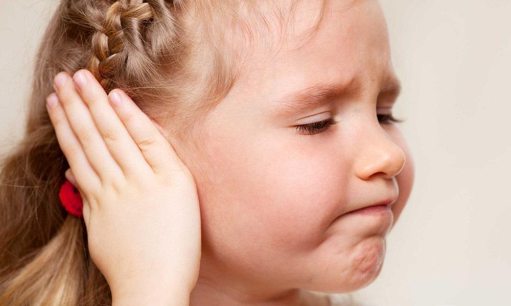 Vnetje-usesa-otrok-otroci-orl-pregled-antibiotiki-zdravljenje-informacije-zdravnika-abc-zdravja-audio-bm-blog