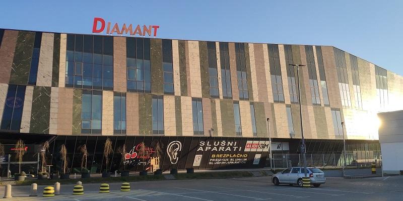 Slusni-aparati-AUDIO-BM-slusni-center-Ljubljana-BTC-Letaliska-5-naslov-kontakt-svetovanje-baterije-Lidl